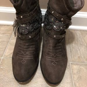 Not Rated Shoes - Cute brown healed sequined boots size 8.5